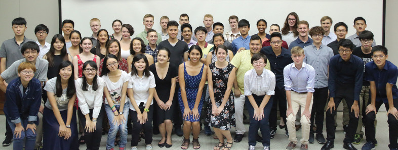 group photo of American and Taiwanese students